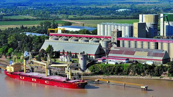 Industrias en Rosario sobre el Paraná